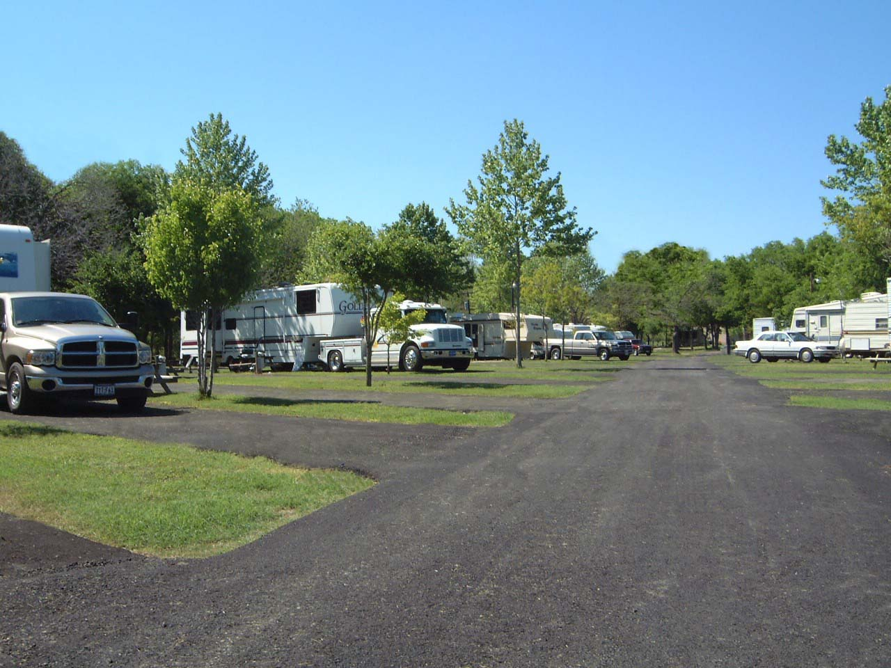 rv hook up austin tx Welcome to shady river rv resort in georgetown, texas our rv park has easy access to hwy 130, hwy i-35 going through the heart of central texas cities (austin, round rock, georgetown) our rv park is in a country setting, with easy day trip ability to really great cities.
