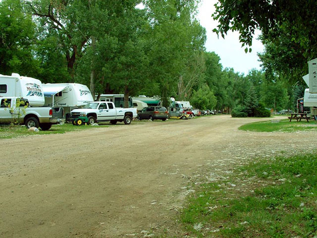 http://www.campingfriend.com/RiverviewRVParkandCampground/pictures/14.jpg